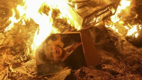 burning books (4)