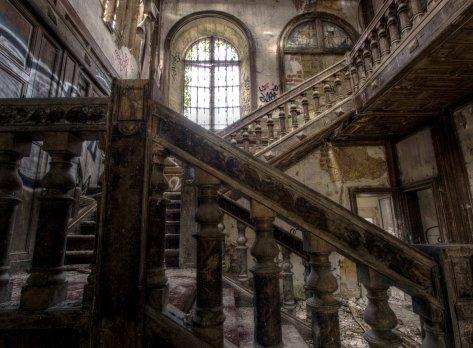 lost europe Fallen_Beauty_II_by_fibreciment