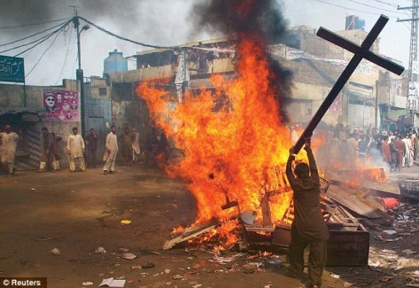 migrants  burning cross