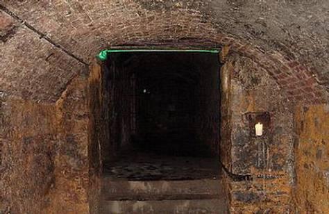 morlock tube entrance
